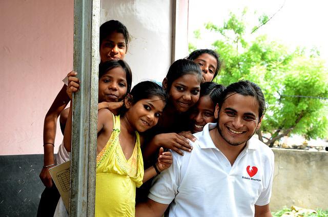 3 types de ressources humaines dans les associations: statut juridique du bénévolat, du volontariat associatif et dusalarié