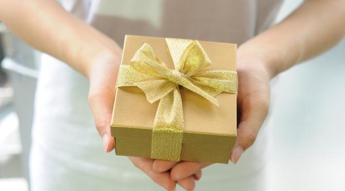 Mon association doit-elle émettre un reçu fiscal à un donateur étranger?
